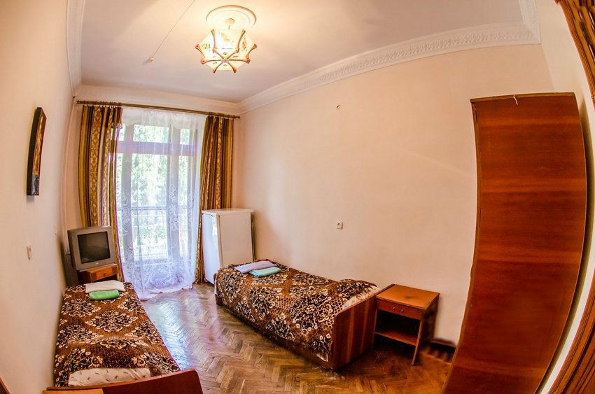 2-местный 1-комнатный с частичными удобствами