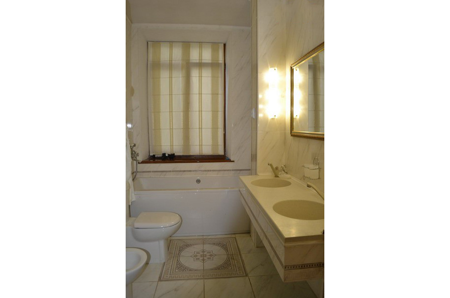 2-местный 2-комнатный люкс №16, 1 этаж
