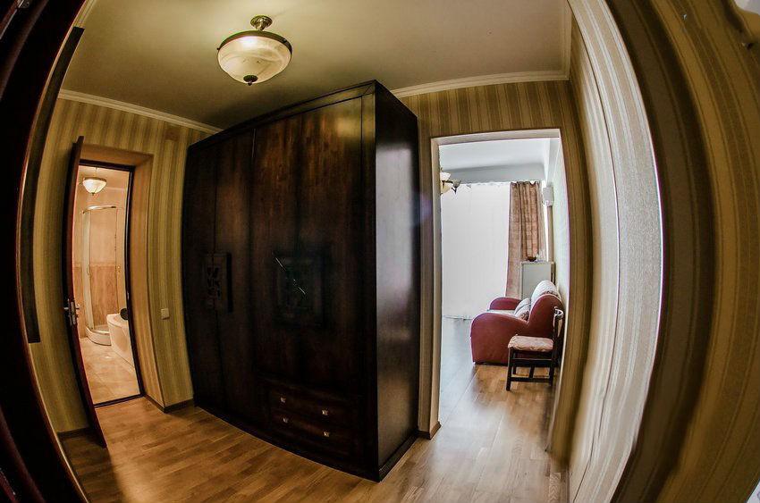 2-местный 2-комнатный люкс, 5 этаж, юг